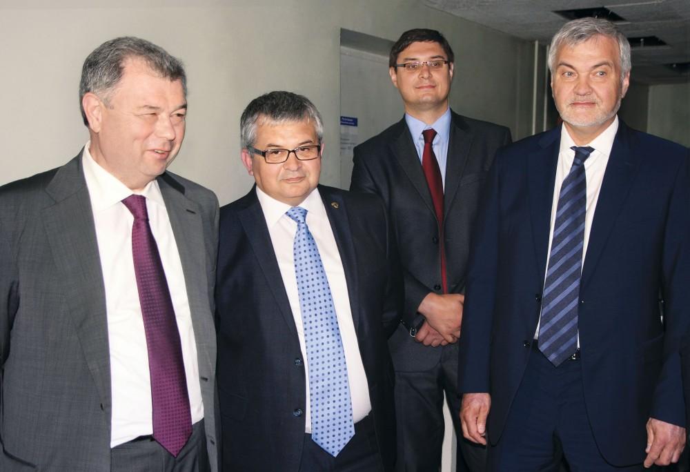 Калужский губернатор предложил следить за маршрутами врачей через iPhone